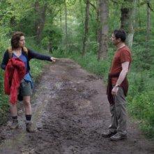 I you don't, I will: Emmanuelle Devos e Mathieu Amalric discutono nel bosco