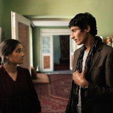 Inbetweens Worlds: Saida Barmaki e Mohsin Ahmady in una scena
