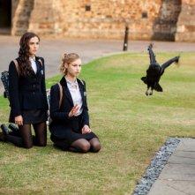 Lucy Fry e Zoey Deutch nel film Vampire Academy