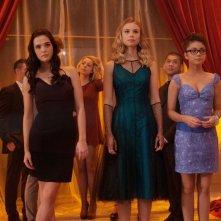 Sami Gayle, Lucy Fry e Sarah Hyland nel film Vampire Academy