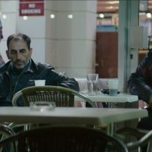 Stratos: Vangelis Mourikis e Yannis Anastasakis in una scena
