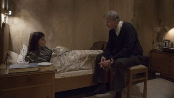 The Nymphomaniac - Part 1: Charlotte Gainsbourg in una scena del film con Stellan Skarsgård