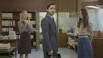 The Nymphomaniac - Part1: Shia LaBeouf con Stacy Martin e Felicity Gilbert in una scena