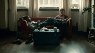 Looking: Frankie J. Alvarez e Jonathan Groff nell'episodio Looking at Your Browser History