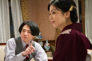 The Little House: Takako Matsu e Hidetaka Yoshioka in un momento del film