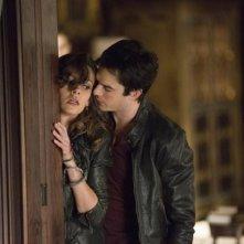 The Vampire Diaries: Ian Somerhalder e Olga Fonda nell'episodio The Devil Inside