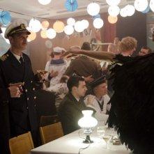 Der Kreis: Matthias Hungerbühler in una scena con Anatole Taubman e Babett Arens