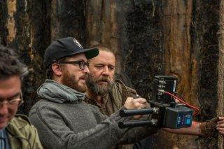 Noah: il regista Darren Aronofsky sul set con Russell Crowe