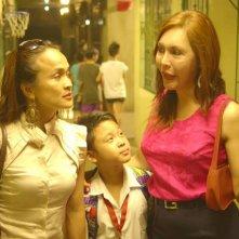 Quick Change: Mimi Juareza, Mikee Legaspi e Natashi Yumi in una scena del film