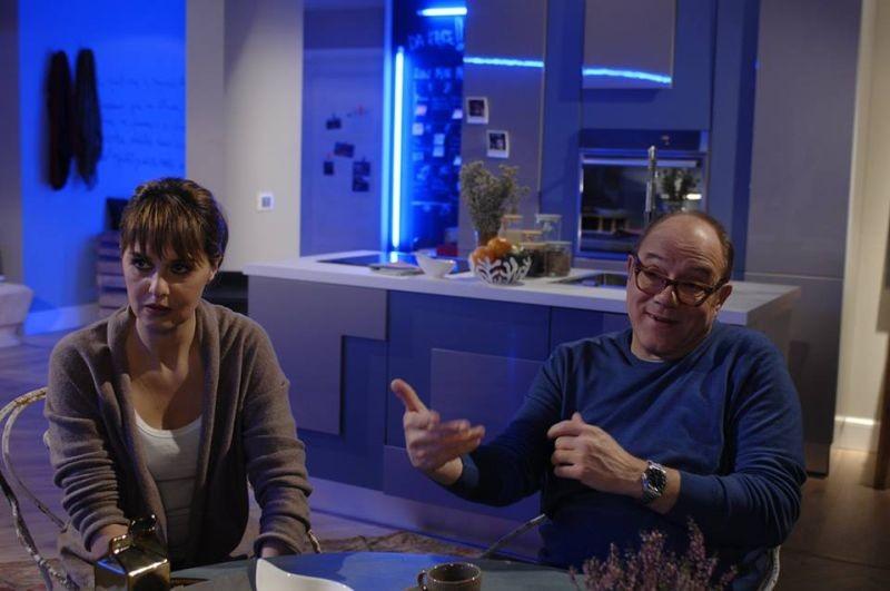 Sotto una buona stella: Paola Cortellesi e Carlo Verdone in una scena