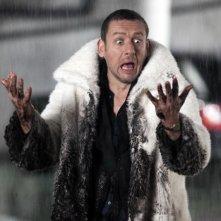 Supercondriaco - Ridere fa bene alla salute: Dany Boon impiastricciato di fango in una divertente scena