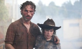 The Walking Dead: Andrew Lincoln e Chandler Riggs nell'episodio Smarriti