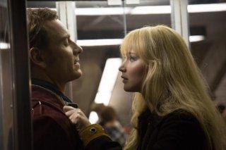 X-Men: Giorni di un futuro passato: Hugh Jackman e Jennifer Lawrence in una scena