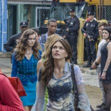 Star-Crossed: Aimee Teegarden nell'episodio Our Toil Shall Strive to Mend