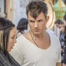 Star-Crossed: Malese Jow e Matt Lanter nell'episodio Our Toil Shall Strive to Mend