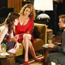 Mixology: Adam Campbell, Sarah Bolger ed Alexis Carra in una scena della serie