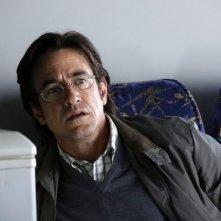 Crisis: Dermot Mulroney in una scena della serie