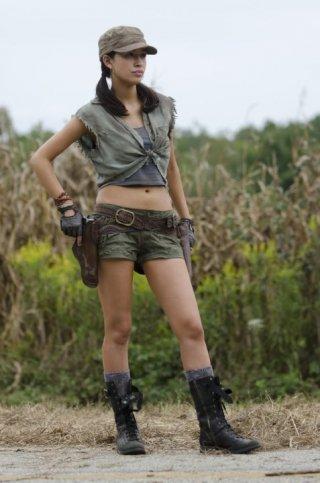 The Walking Dead: Christian Serratos è il Rosita Espinosa nell'episodio Salvare il mondo