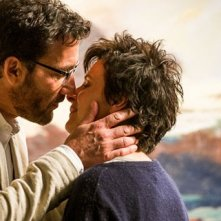 Words and Pictures: Clive Owen bacia Juliette Binoche in una delle prime immagini del film