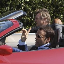Entourage - The Movie: Liam Neeson e Adrian Grenier impegnati in una scaramuccia automobilistica