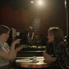 Girls: Lena Dunham e Patti LuPone in una scena dell'episodio Incidentals