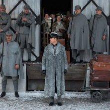 The Grand Budapest Hotel: Edward Norton alla guida dei suoi militari