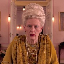 The Grand Budapest Hotel: un primo piano di Tilda Swinton