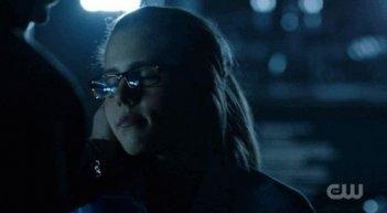 Arrow: Emily Bett Rickards in una scena dell'episodio della stagione 2, Time of Death