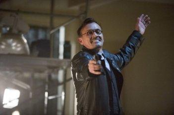 Arrow: Robert Knepper in una scena dell'episodio della stagione 2, Time of Death