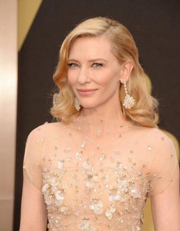 Cate Blanchett sul red carpet degli Oscar 2014