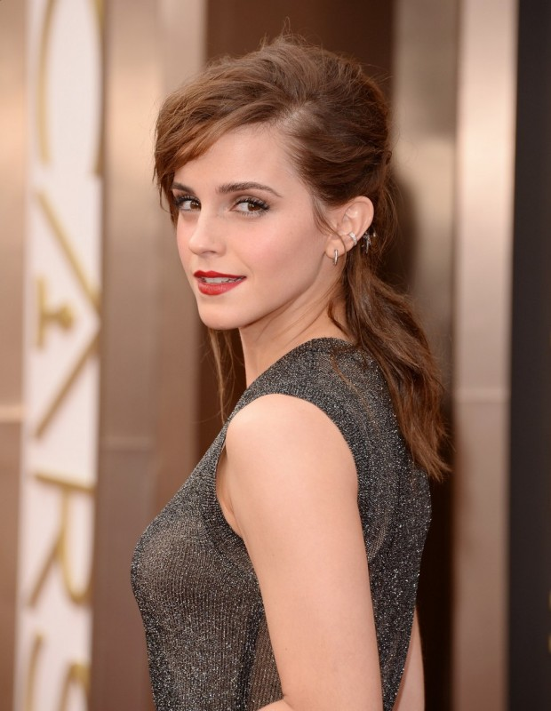Emma Watson sul red carpet degli Oscar 2014