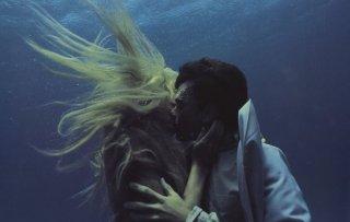 Daryl Hannah con Tom Hanks in Splash - una sirena a Manhattan