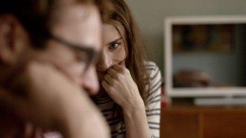 Lei: Joaquin Phoenix e Rooney Mara in una tenera scena del film