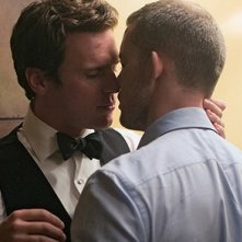 Jonathan Groff e Russell Tovey in 'Looking for a Plus One' episodio della prima stagione di Looking