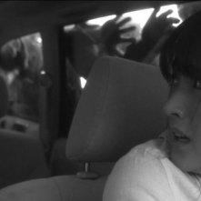 Miss Zombie: Makoto Togashi nella sua auto circondata dagli zombie