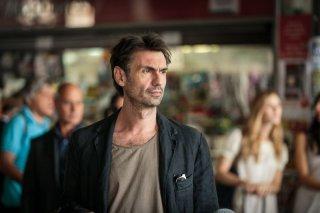 Noi 4: Fabrizio Gifuni in una scena del film