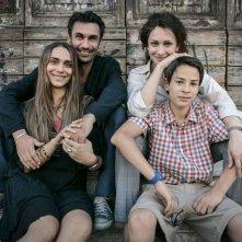 Noi 4: Fabrizio Gifuni, Ksenija Rappoport, Lucrezia Guidone e Francesco Bracci in un'immagine promozionale