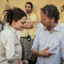Noi 4: il regista Francesco Bruni in una foto dal set con Kseniya Rappoport