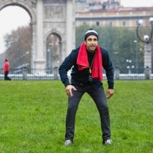Amici come noi: Pio a Parco Sempione in una scena tratta dal film
