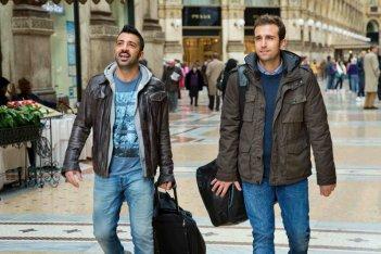 Amici come noi: Pio e Amedeo in una scena tratta dal film