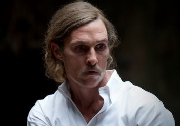 Matthew McConaughey in una scena dell'episodio 8 di True Detective, Form and Void