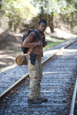 The Walking Dead: Lawrence Gilliard Jr. in una scena dell'episodio Solo