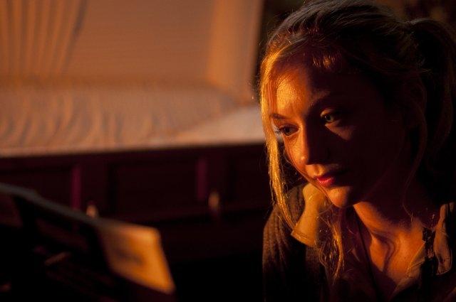 The Walking Dead: un primo piano di Emily Kinney nell'episodio Solo