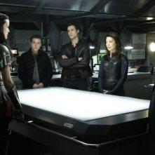 Agents of S.H.I.E.L.D.: Ming-Na Wen, Clark Gregg, Iain De Caestecker, Jaimie Alexander e Brett Dalton in una scena dell'episodio Yes Men