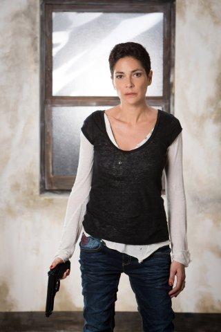 Le mani dentro la città: Simona Cavallari in una foto promozionale