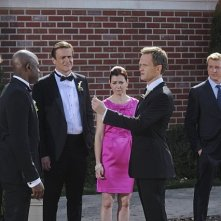 How I Met Your Mother: Neil Patrick Harris, Alyson Hannigan, Wayne Brady, Jason Segel e Josh Radnor nell'episodio Gary Blauman