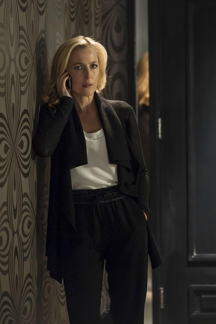 The Fall: Gillian Anderson in una delle prime immagini per la seconda stagione