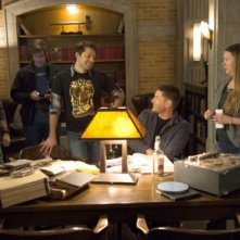 Supernatural: Misha Collins e Jensen Ackles sul set dell'episodio Mother's Little Helper