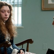 True Detective: Matthew McConaughey e December Ensminger in una scena di Haunted Houses