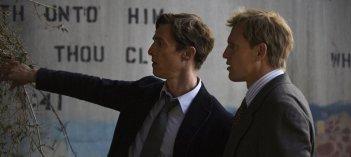 True Detective: Matthew McConaughey e Woody Harrelson nell'episodio Seeing Things
